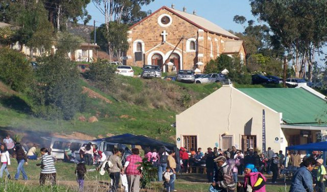 MissionChurch with Snoek en Patat Fees below